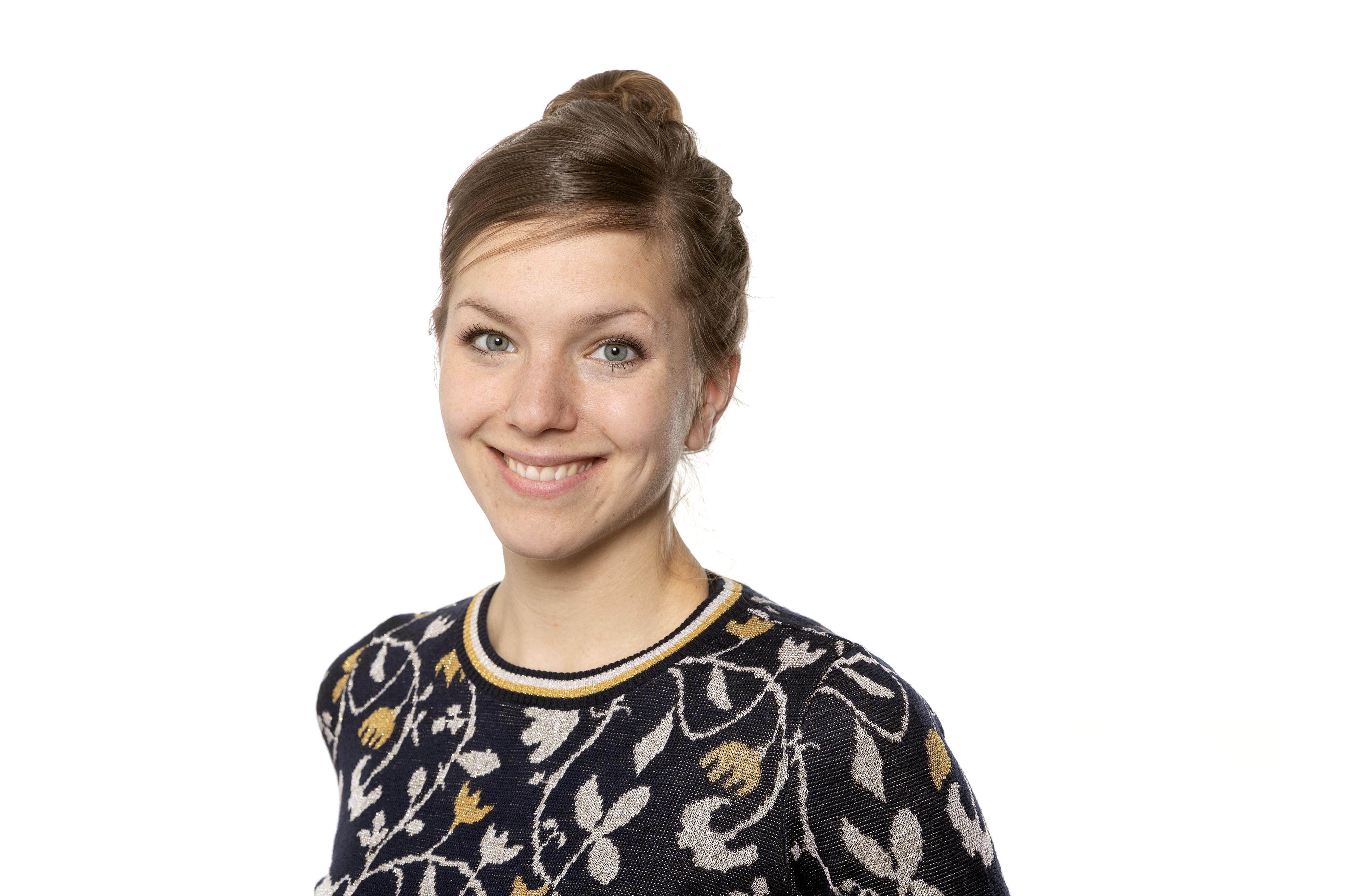 KATJA SCHERER, Wirtschaftschaftsjournalistin